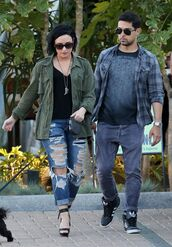 jeans,top,ripped jeans,sandals,jacket,spring outfits,demi lovato,shoes
