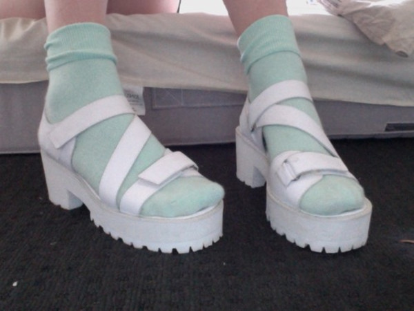 socks kneesocks sandals pale mint atropina girl spring kawaii platform shoes platform sandals boho pale grunge accessories spring outfits cleated sole