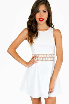WHITE SUMMER LACE DRESS on The Hunt