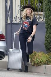 t-shirt,top,hat,chloe grace moretz,jeans
