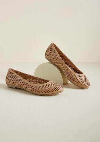 casual style tan flats leather brown shoes
