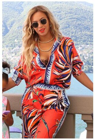 blouse pants two-piece beyonce sunglasses necklace bra colorful