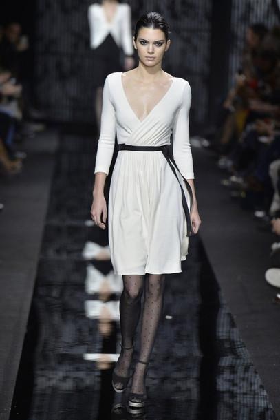 dress tights white dress v neck dress fashion week 2015 diane von furstenberg kendall jenner