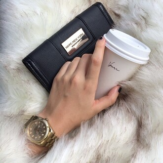 bag marc jacobs bag gold black leather handbag handbag black handbag marc jacobs marc jacobs wallet expensive taste gold watch watches for women watch leather bag black leather bag black leather leather black