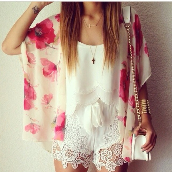 floral kimono white crop tops white shorts lace shorts mini shoulder bag shoulder bag white bag summer outfits coachella shorts blouse kimono layered blouse top white crop tops