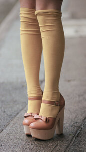 socks,shoes,brown,bow,heels,brown leather shoes,tumblr,caramel,cute,girly,wedges,high heels,bow heels,pink,pink heels,over the knee socks,knee high socks,socks and shoes,socks and heels,legs,kawaii,jfashion,japan,japanese,japanese fashion,gyaru
