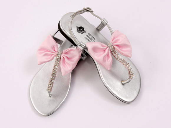rhinestone shoes bow girly bow sandals cute cute sandals girly sandals rhinestones rhinestone sandals rhinestone sandal rhinestone bow sandals pretty