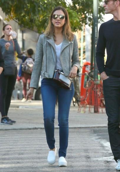 jessica alba jacket fall outfits shoes