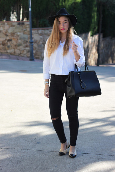 say queen blogger jeans bag ballet flats white shirt