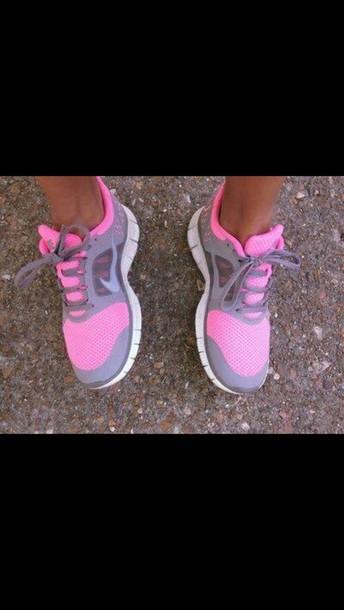 pink grey shoes nike free run