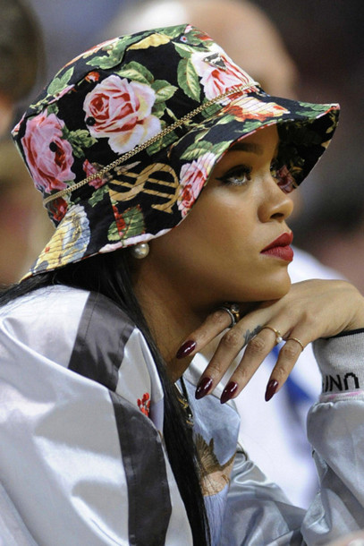 hat rihanna 418439 rihanna lipstick roses dollarsign floral bucket hat cute fashion lips jewels flowers basketball