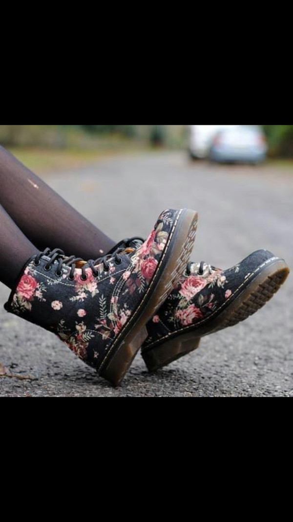 shoes boots DrMartens floral roses