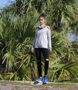 sweater sneakers headphones sara sampaio sportswear leggings model sweatshirt victoria's secret