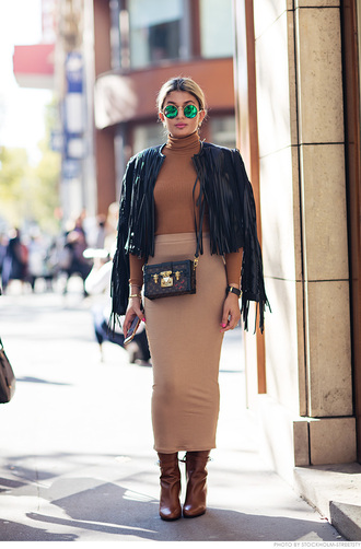 carolines mode blogger fringed jacket nude camel bodycon skirt brown leather boots