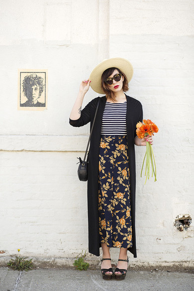 keiko lynn blogger cardigan roses straw hat stripes