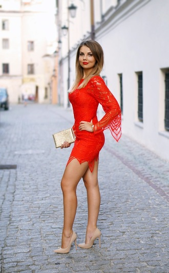 a piece of anna blogger red dress lace dress red lace dress dress bell sleeve dress long sleeve lace dress bell sleeves long sleeve dress mini dress pumps pointed toe pumps nude pumps metallic clutch clutch gold clutch