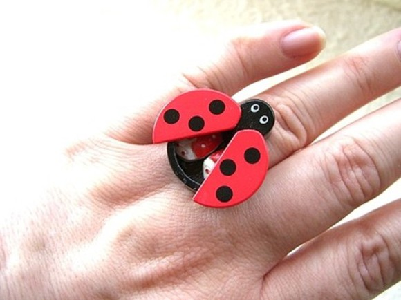 dots black red jewels beetle ring