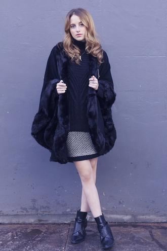 at fashion forte blogger skirt faux fur winter coat