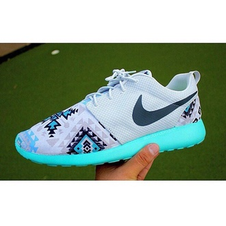 shoes nike roshe run white black blue tribal pattern neon blue white details black swoosh grey real roshes nike bright bright blue aztec tumblr