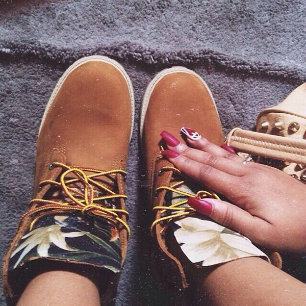 shoes timberlands flowers nails nail art