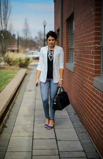 life & messy hair blogger jeans bag blazer grey blazer necklace black leather bag black top sandals spring outfits