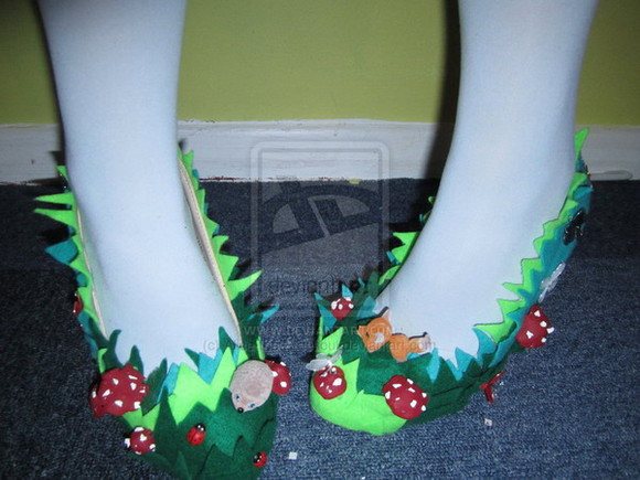 green alice in wonderland shoes ooak handmade mushrooms fox hedgehog high heels