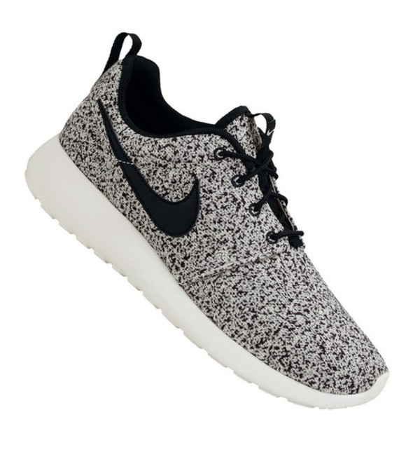 Nike Roshe Run Mens All White Trainers UK Cheap | roshe black