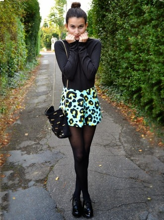 shoes black long sleeve shirt blue and yellow skirt black tights oxfords blogger