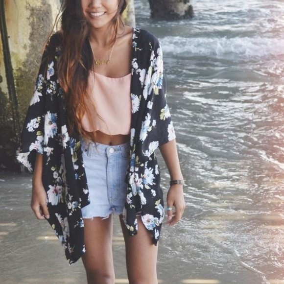 floral cute hipster pink tank top crop tops black white jacket style jeans blue necklace pretty gorgeous stylish fashion fashionable boho hippie bohemian kimono sheer light blue light pink pastel coral orange high waisted short
