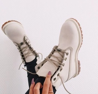 shoes boots white timberlands timberland white boots white shoes work shoes lace shoes cuteshoes nude nudeboots winter outfits timberland nude cream tan timberlands boots drmartens white timberlands timberland boots shoes cute booties lace up flat boots