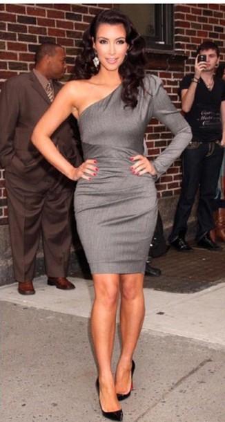 300c065d420da dress kim kardashian kim kardashian dress kim kardashian style stylish style  chic luxury kylie jenner grey