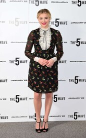 dress,sandals,floral,floral dress,chloe grace moretz,midi dress
