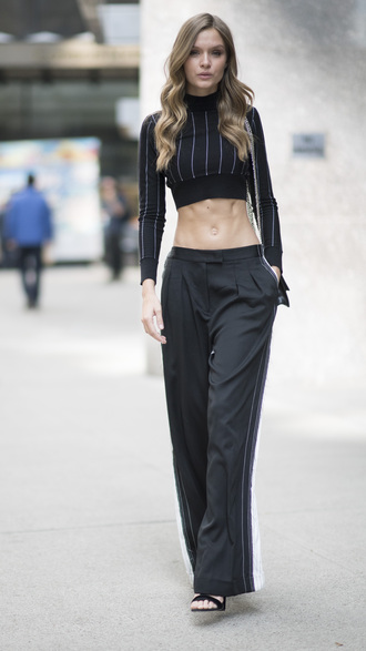 pants crop tops josephine skriver wide-leg pants model off-duty streetstyle