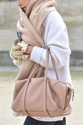 bag,scarf,white oversized sweater,neutral,blush,cozy,sweater,oversized scarf,pink duffle bag,nude scarf,duffle bag,white sweater,oversized sweater,infinity scarf,gloves,leather gloves,black pants