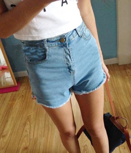 Light blue high waisted slit slim denim hot pants