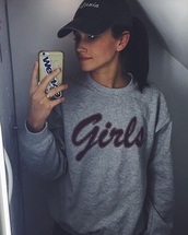 sweater,grey sweater,sweatshirt,girls sweatshirt,friends,grey,friends TV show,t-shirt,top,chill,girl,lgbt,tumblr,longsleeved t-shirt,long sleeves,hat,california,jumper,oversized sweater