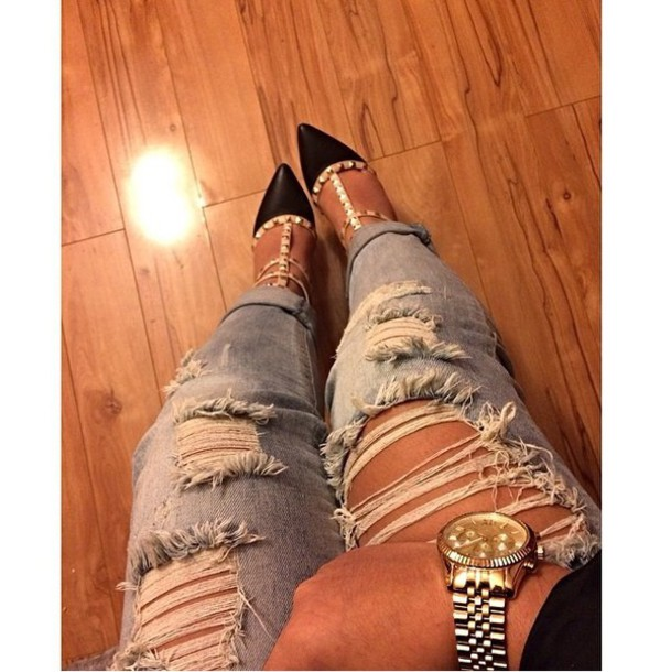 jeans roll up jeans too cute denim cute filter heels light jeans roll-up ripped jeans ripped jeans style so cute! where do i get these? gold watch louis vuitton name brand Valentino gold shiny shoes
