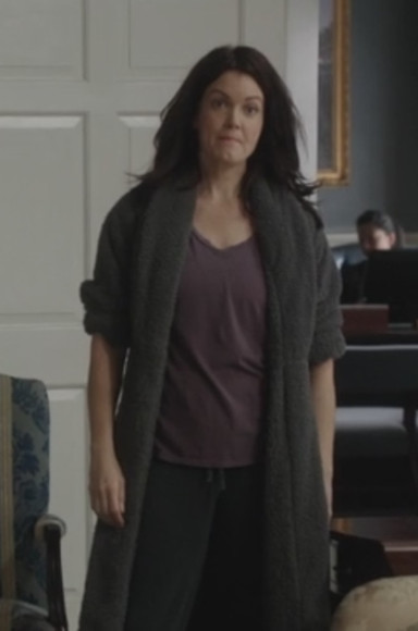 rope t-shirt mellie grant scandal bellamy young