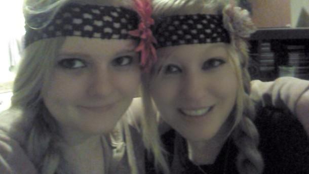 jewels diy headband flower power black eyeliner