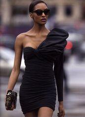 dress,black,bodycon,ruched,mini dress,asymmetrical,elegant
