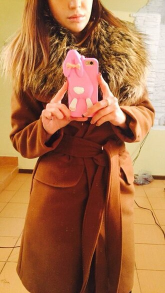 coat trench coat beige coat with cape winter coat long coat fur coat fall coat fuzzy coat outfit outfit idea fall outfits tumblr outfit winter outfits faux fur faux fur coat brown streetwear streetstyle clothes girly girly wishlist hipster wishlist hipster grunge wishlist