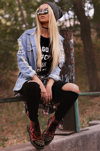 kristina dolinskaya blogger jacket jeans hat shirt t-shirt sunglasses