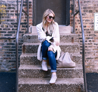 visions of vogue blogger cardigan top jeans shoes bag sunglasses ankle boots winter outfits tote bag skinny jeans
