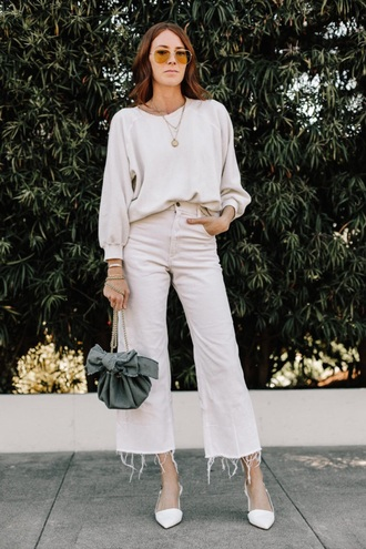 jeans white jeans cropped jeans culottes denim culottes shoes white shoes top white top bag necklace