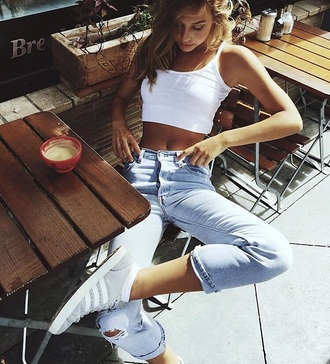shoes alexis ren grey jeans cute summer fashion grey and white grey sneakers adidas low top sneakers sneakers