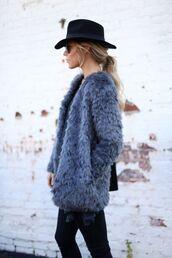 coat,tumblr,fur coat,grey coat,hat,black hat,jeans,black jeans,winter outfits,winter look,blue fluffy coat