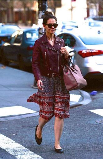 midi dress flats katie holmes spring outfits jacket burgundy purse leather jacket floral dress ballet flats pink bag