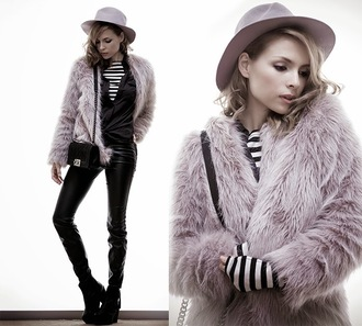tini tani blogger hat dusty pink fedora faux fur jacket black shirt leather pants fluffy coat shirt top pants bag