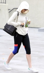 shoes,sportswear,sports shoes,anne hathaway,bag