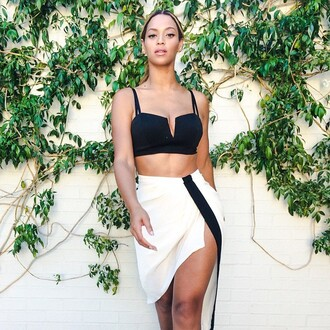 beyonce chic bralette african american white skirt high waisted skirt slit skirt black and white slit style celebrity style beyonce dress beyonce dress black cute summer outfits gorgeous curvy pretty skirt top